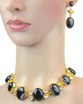 Alora Raven Necklace Set....