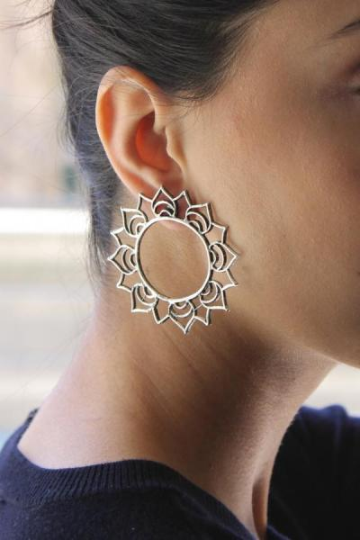 A Earring that always looks as good as you do