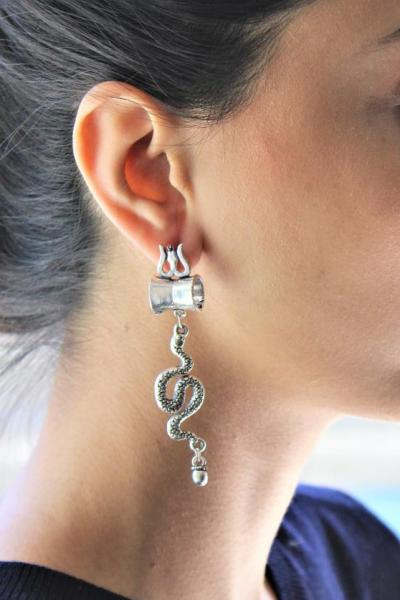 Dress to impress with this Earrings