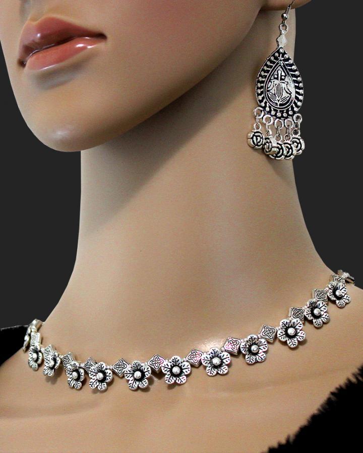 Laura Bloom Necklace Set
