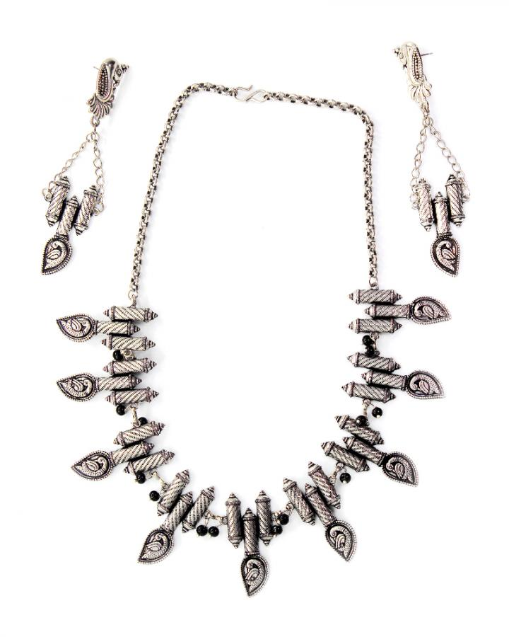 Archie Peacock Necklace Set